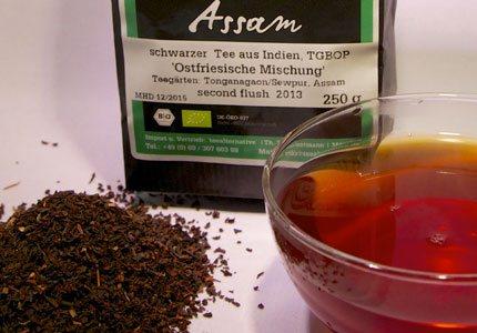 Unsere Ostfriesische Mischung ist eine exklusiv vor Ort in Assam für uns komponierte Bio-Tee-Mischung